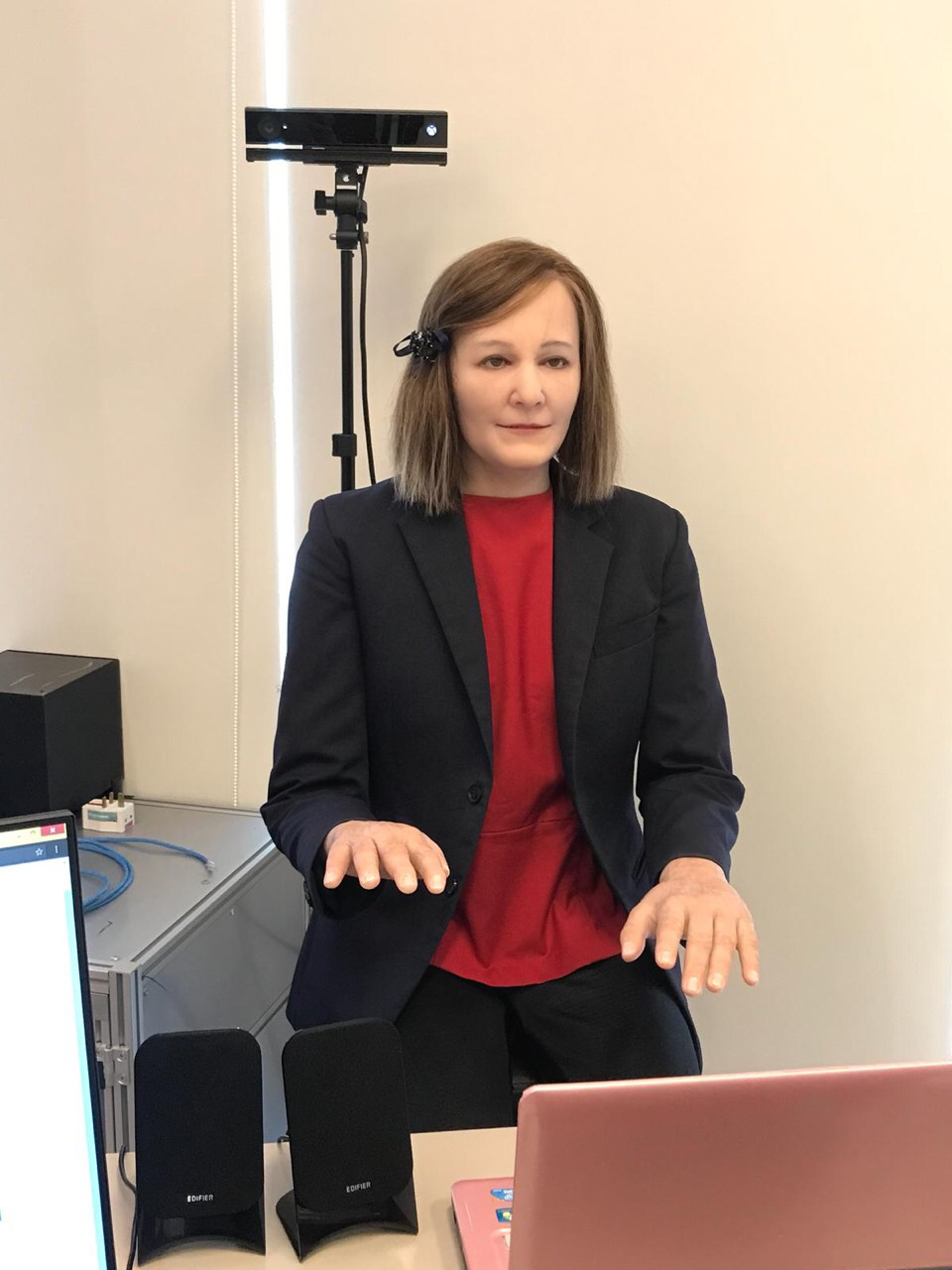The social robot Nadine is working in the insurance company support desk since this October